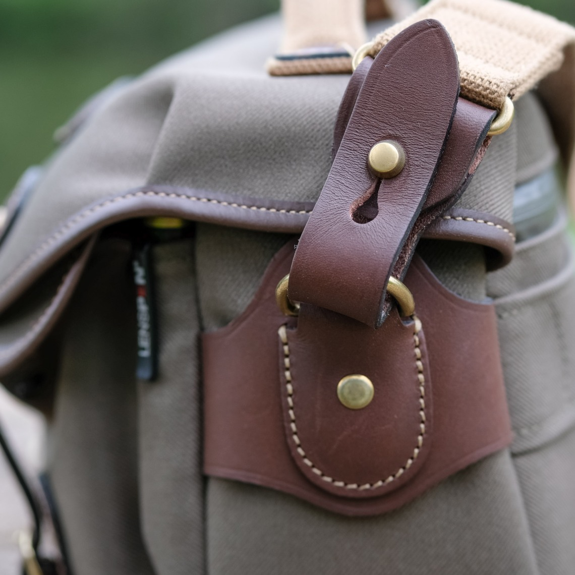 Billingham Hadley Small Pro The Full Review Philippe Castagna Shoulder Bag Khaki Chocolate Leather Another Improvement Is Coming From One Strap This Still Adjustable But Fully Removable Thanks To A Beautiful Piece Of